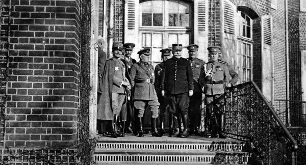 France, Britain, Russia, Italy and Belgium represented at the War Council at the French General Headquarters near Paris. From left to right, front row: General Porro, Sir John French, General Joffre and General Jilinsky