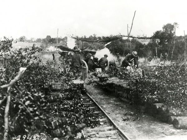 American 108th Field Artillery (formerly 2nd Regiment Field Artillery) and a detachment of the 1st Cavalry, Pennsylvania National Guard, at Varennes-en-Argonne, north eastern France, during the First World War. Battery A can be seen in action