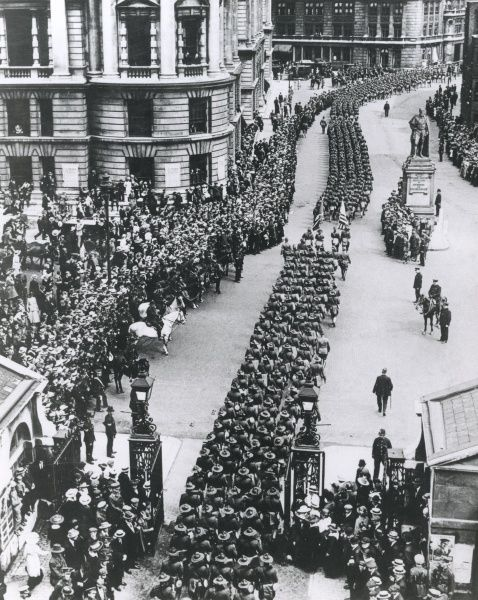 American troops marching along Horse Guards Avenue, Central London, during the First World War