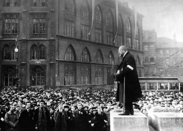 Antonin Nemec, member of the Czech Social Democratic Party (CSSD), speaking to a large crowd in Staromestske Square (Old Town Square), Prague, Czechoslovakia. He served twice as party chairman (1904-1915 and 1917-1925). Date: 28 October 1918