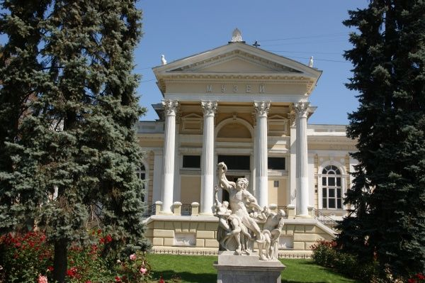 View of the Archaeological Museum in Odessa, Ukraine, with a Laocoon sculpture in front (a copy -- the original is in the Vatican Museum, Rome). The museum was founded in 1825