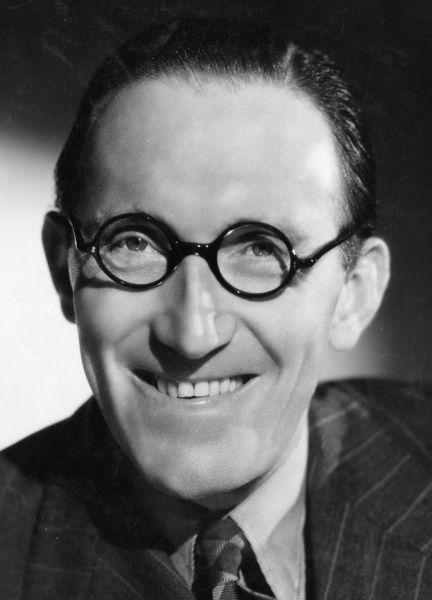 Arthur Askey (1900-1982) English comedian with the catchphrase - hello playmates
