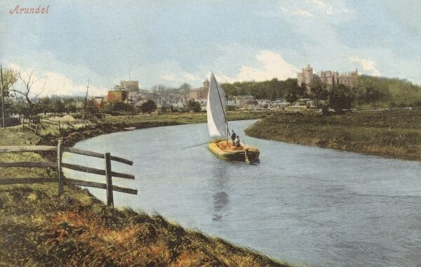 A barge sailing along the River Arun at Arundel, West Sussex Date: circa 1910s