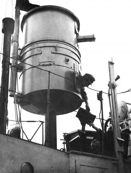 Receiving ammunition in the gun turret of the Monitor 'Birago' of the Austrian Danube Navy