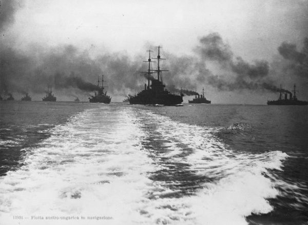 Ships of the Austro-Hungarian fleet at sea during the First World War. Date: 1914-1918