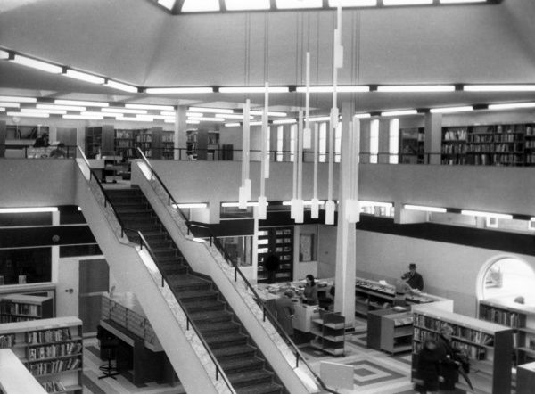 Interior view of the then new 'modern' library at Bebington, Merseyside, England. Date: early 1970s
