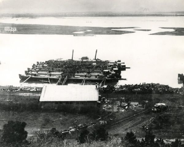 View of the harbour at Belgrade, Serbia, with an unloading place for troops in the foreground, during the First World War. Date: 1914-1918