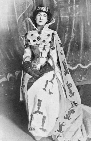 CONSTANCE BENSON (nee Featherstonhaugh) English actress, wife of Frank R Benson, in the roll of The Queen in Shakespeare's Richard II