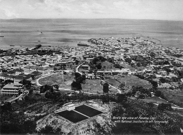 Birds eye view of Panama City with National Institute in the left foreground, 1900s