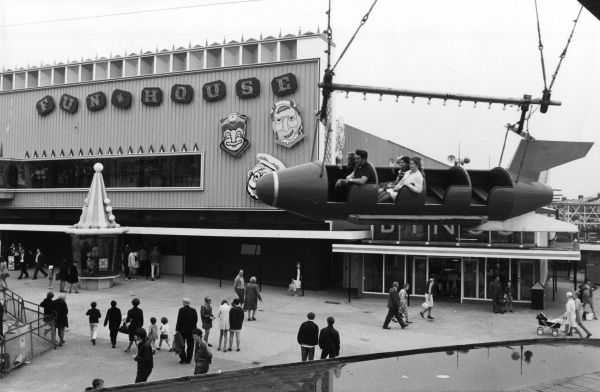 A fairground ride on Blackpool 'Pleasure Beach' funfair, Lancashire, England. Date: late 1960s