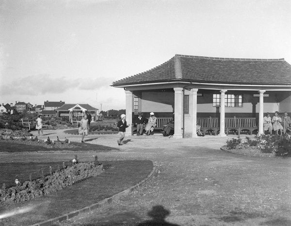 The seating pavilion in the public gardens at Bognor Regis, Sussex, England. Date: early 1930s