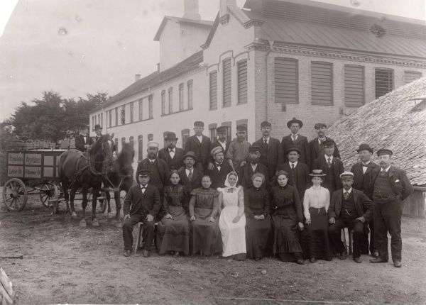 The work force at Kronlein brewery about 1900 Date: 1900