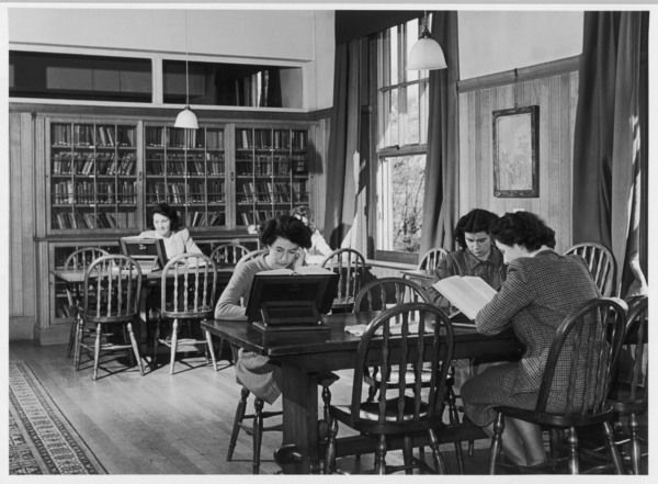 Women students at Bristol University reading in the library