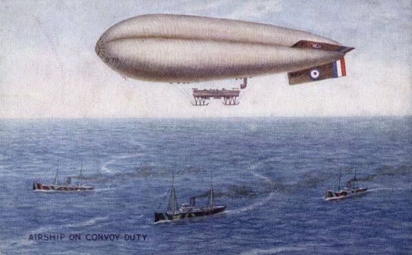 A British airship on convoy duty : from the air it is often possible to see U-boats under the surface. Date: circa 1915