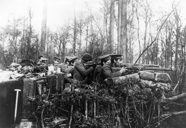 British artillery with their rifles at an outpost in northern France during the First World War. Date: 1914