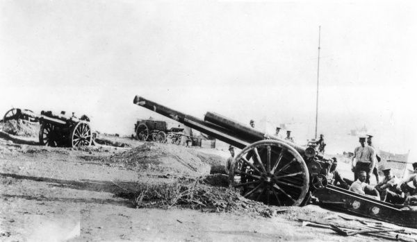Two British 60 pounder guns in position at Gallipoli during World War I