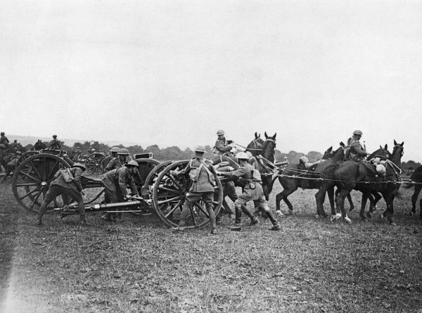 British horse artillery in action or training during the First World War. Date: 1914-1918
