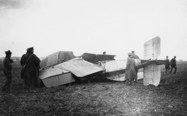 A British plane on an airfield (possibly after a crash landing) during the First World War. Date: 1914-1918