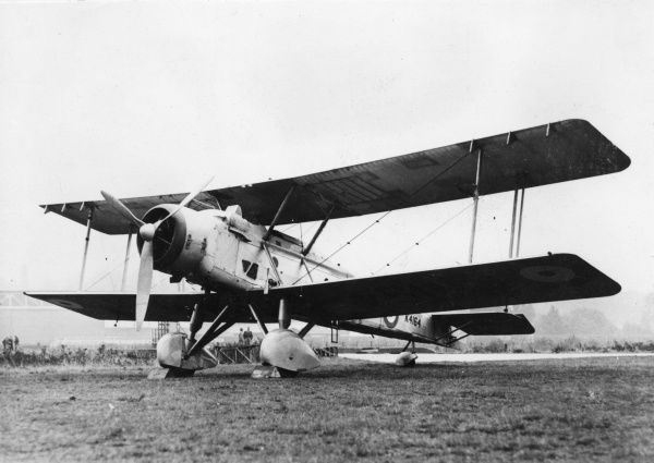 A British Vickers Vildebeest biplane on an airfield. It first flew in 1928, and was still in use at the beginning of the Second World War. Date: circa late 1920s