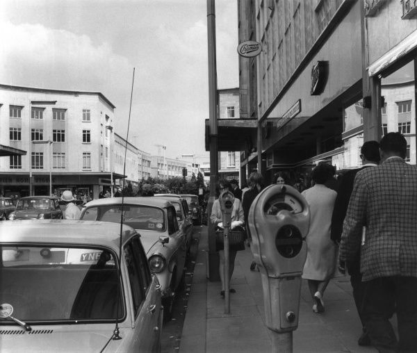 A shopping day in Broadmead, Bristol Date: 1950s
