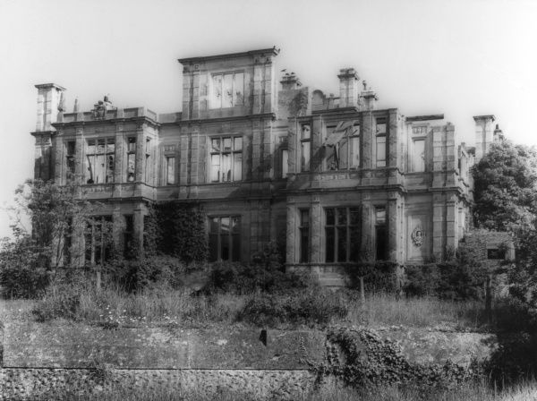 The ruins of Bylaugh (pronouced 'beela') Hall, Norfolk, England. This was the 'new' Bylaugh Hall, built in 1850 by Charles Barry. Here in ruins in the early 1960s. Date: 19th century