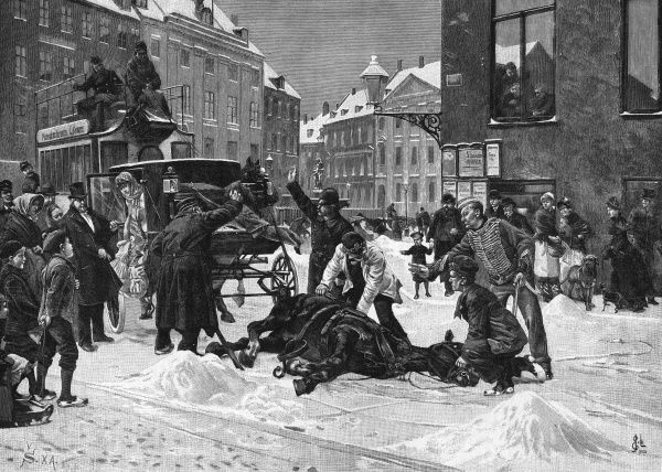 A cab-horse slips and collapses in a snow-covered Stockholm street - passers-by gather with help and advice, and a horse-bus halts. Date: 1907