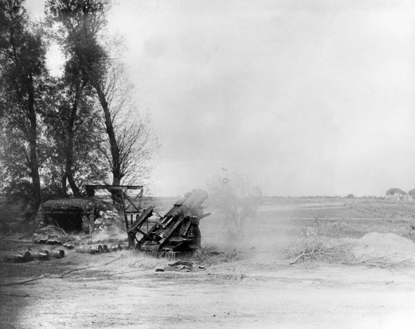 A Canadian heavy Howitzer in action during the Battle of Courcelette, on the Somme, France, during the First World War. Date: September 1916