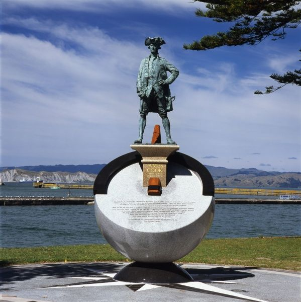 Monument to Captain James Cook at Gisborne, on the east coast of the North Island, New Zealand