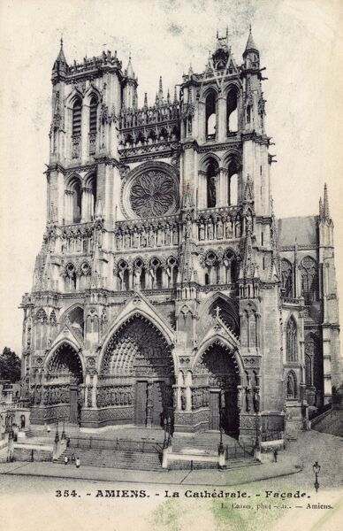 Cathedral at Amiens, France Date: circa 1908