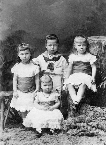 The four eldest children of Prince Alfred, Duke of Edinburgh and Saxe-Coburg and Grand Princess Marie Alexandrovna of Russia, Duchess of Edinburgh and Saxe-Coburg in 1880. From l to r, Princess Victoria Melita, Alexandra (in front), Alfred and Marie