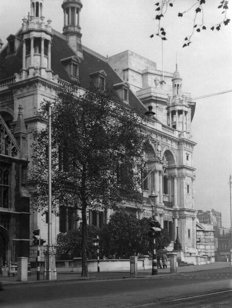 The City of London School, Milk Street, on the Victoria Embankment at Blackfriars. Date: built 1835 - 1883
