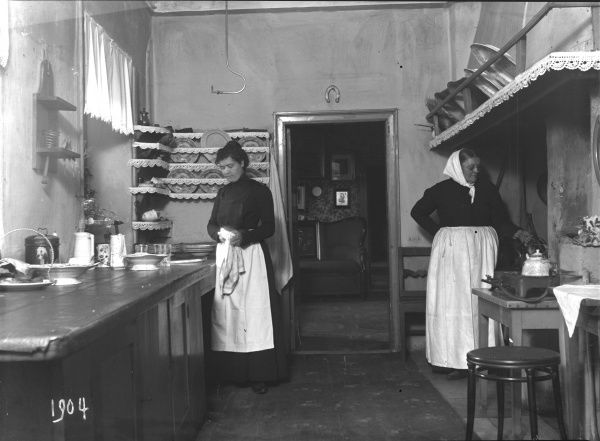 Kitchen, Malmo, Sweden 1904. Date: 1904