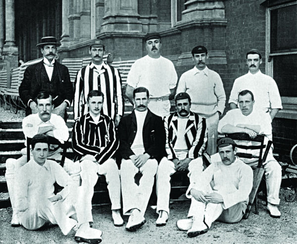 DERBY W.SUGG, L.G.WRIGHT, PORTER, CHATTERTON, HULME, DAVIDSON, S.H.WOOD, EVERSHED,G.G.WALKER, BADSHAW, H.BLACKWELL, W.STORER