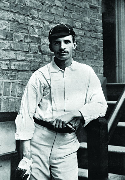 FRED HOLLAND CRICKETER - SURREY