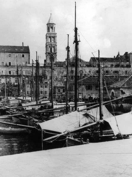 Fishing boats in the historic harbour at Split (Spalatum) Croatia (former Yugoslavia). Date: 1930s