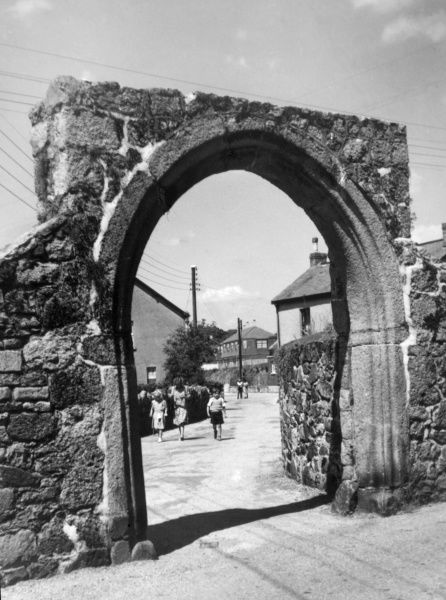 'Cromwell's Arch', Bovey Tracey, Devon. England, is all that remains of a monastery which stood on the site and and was finally demolished in 1822. Date: medieval