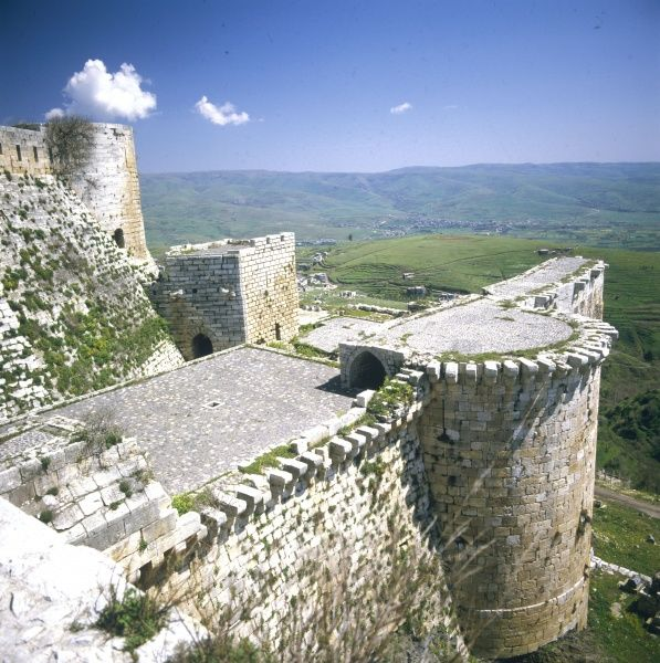 This fortress was built by the Kurds. It was taken by the crusaders in the 12th century. They made additions to it before the fort was taken by Baybars in the 13th century