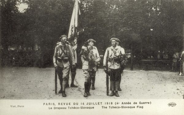 Parade of the Czechoslovakian flag in the 4th year of the start of the 1st World War on the 14th July Bastille Day Parade - Allied Parade. Date: 1918