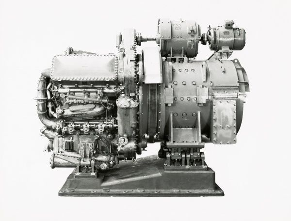 Deltic 9-5A flange mounted engine for MCMVs, hydraulics and sweep generator Date: 1951