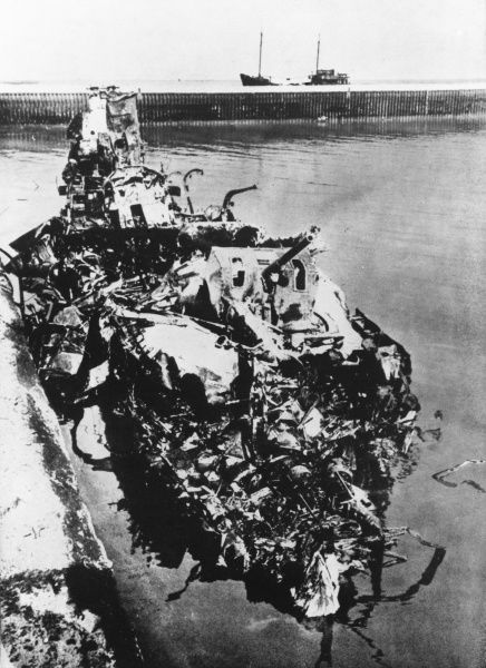 German stukas destroyed the warships they found in Dunkirk harbour during World War II