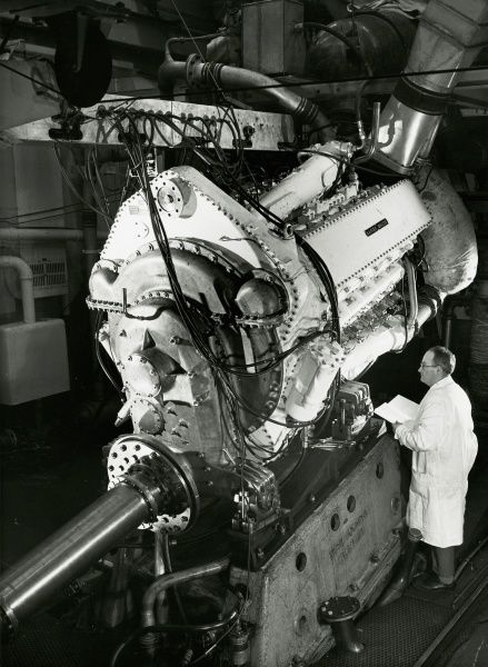 Development engine on test at Acton Date: 1950