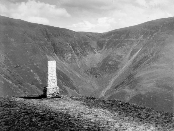 'The Devil's Beef Tub', 5 miles from Moffat, Selkirkshire, Scotland, a terrifying black abyss. Date: late 1930s