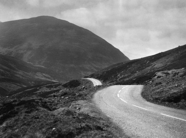 'The Devil's Elbow', in the Dee Valley, near Braemar, Aberdeenshire, Scotland. Date: 1960s