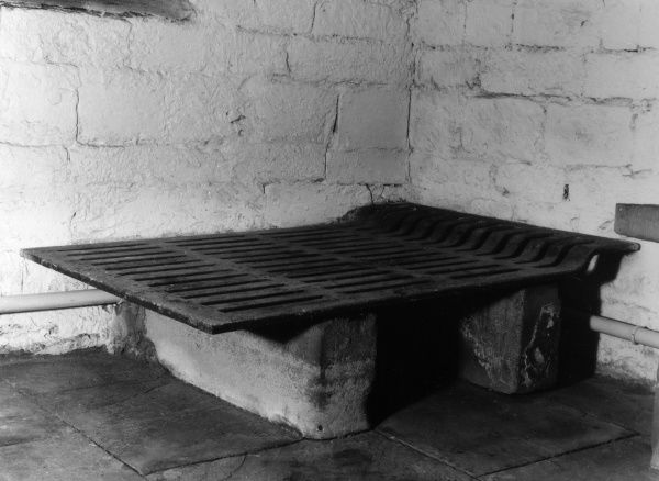 Dick Turpin's Cell in the Debtor's Prison (now a museum), York, Yorkshire, England. Known as 'Pompey's Parlour', this was the cell of Turpin, Eugene Aram &c Date: 1950s