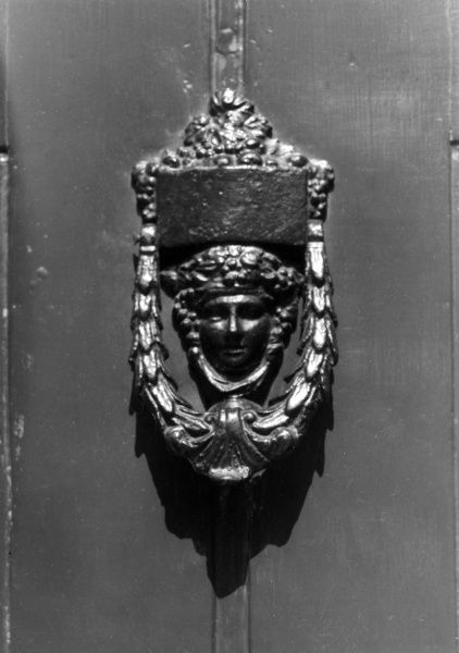 The fine door-knocker of No. 48, Doughty Street, Holborn London, the residence of Charles Dickens from 1837 until 1839. Date: 19th century
