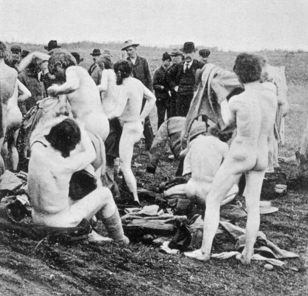 Men of the Second Pilgrimage are stopped at Yorkton, where they undress : the Canadian Police arrest them and order them to get dressed, then take them back to the settlement