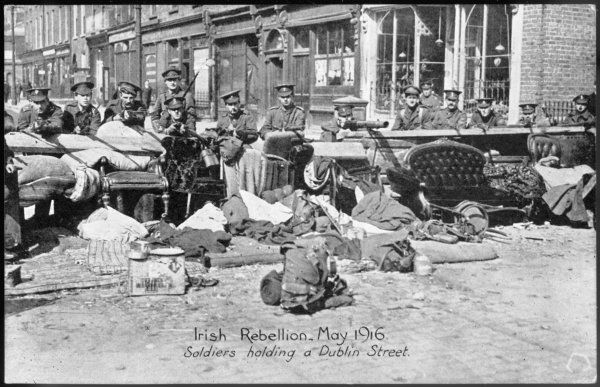 Soldiers holding a Dublin street