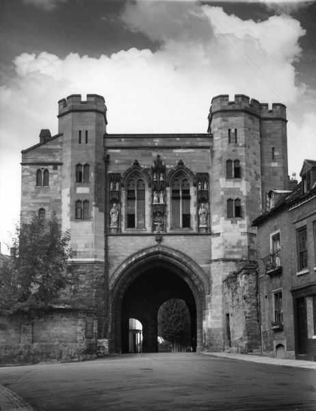 Edgar Tower, Worcester, England, a fine gatehouse, all that remains of the 13th century Worcester Castle. Adorned with statues of King Edgar and his queens. Date: late 14th century