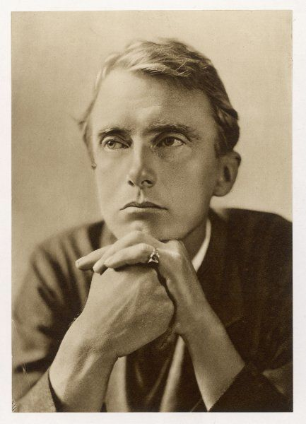EDWARD THOMAS English poet and critic, killed in the battle of Arras