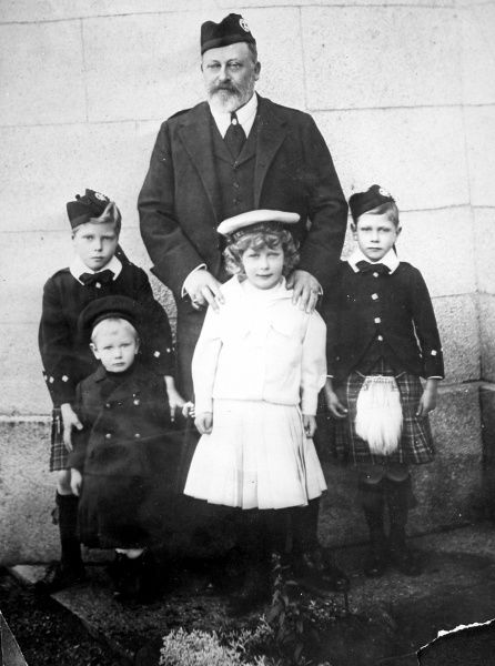 Edward VII and his grandchildren; from left: Edward of Wales (later Edward VIII), Henry, Duke of Gloucester, Edward VII, Princess Mary and Albert George, (later Duke of York and then George VII). Taken at Balmoral in 1902